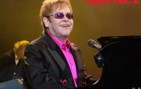 Элтон Джон даст в Украине еще один концерт для избранных
