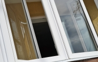 В Харькове женщина выпала из окна многоэтажки