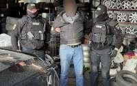 Внутренняя безопасность Нацполиции разоблачила на взяточничестве столичного полицейского (фото, видео)