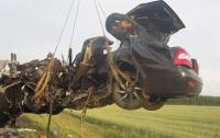 Жуткая авария в России: погибла семья из четырех человек