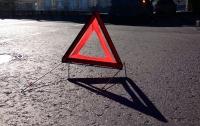 Авария под Киевом: столкнулись два автомобиля