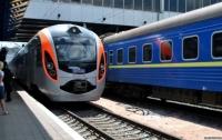Мужчина в наушниках попал под поезд на Днепропетровщине