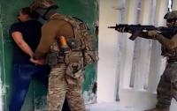 Задержали экс-милиционера, который продавал террористам доступы к украинским электронным базам