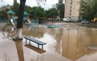 Детскую площадку затопило кипятком