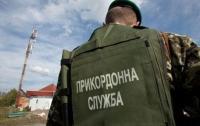Гражданин Молдовы пытался ввезти товарища в Украину из РФ в багажнике авто