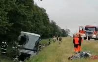 Автобус с украинцами попал в ДТП в Польше: 11 человек пострадали