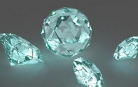 В Киеве в посылке из Китая обнаружили бриллианты