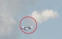 Очевидцам удалось заснять белый НЛО в заповеднике Сундарбан (Видео)