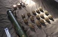 В Ровенской области нашли тайник с оружием