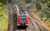 Японец едва не спалил скоростной поезд