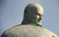 Статуе Папы Римского в Риме заменили голову