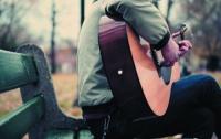 Гитара в руках мужчины увеличивает шансы на сближение при знакомстве