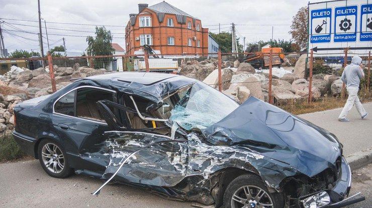 Жуткое ДТП в Киеве: BMW на скорости врезался в маршрутку