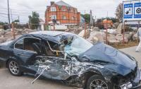 Жуткое ДТП в Киеве: BMW на скорости врезался в маршрутку (видео)