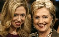 Клинтон и дочь открывают