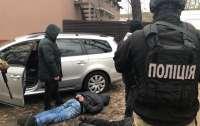 Под Киевом иностранцы подожгли автомобиль ресторатора (видео)