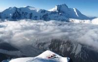 Десятки голодных и больных альпинистов застряли на высоте 4000 метров