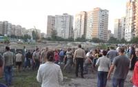 На Троещине застройщики избили протестующих жителей