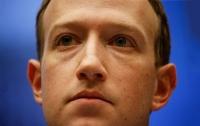 Глава Facebook запретил сотрудникам пользоваться айфонами Apple