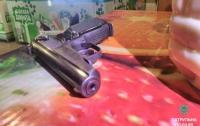 Полтавчанин заснул в продуктовом магазине с пистолетом в руках
