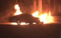 В Сумах спалили автомобиль майора полиции