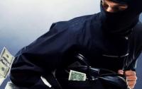 В Киеве мужчина украл миллион и сбежал