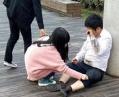 Китайский бизнесмен заставил подчиненных ползать по улице (ФОТО)