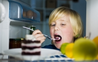 Через пять лет количество детей с ожирением в мире превысит 50%