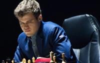 Чемпион мира по шахматам Карлсен заподозрил Карякина в