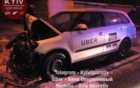 ДТП в Киеве: таксист Uber разбился о столб