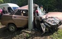 ДТП в Харькове: неадекват с ножом пытался угнать автомобиль такси