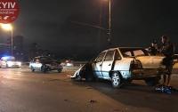 В Киеве на Северном мосту столкнулись три авто
