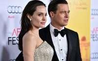 Джоли представит в суде доказательства насилия со стороны Питта