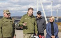 Местное население в целом поддерживает разведение войск - Загороднюк
