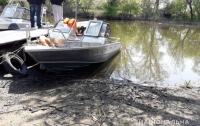 В Запорожской области поймали пьяного чиновника на лодке