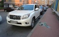 В Киеве поймали автовора, который разбивал стекла в машинах