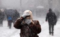 Грузовики не пускают в Киев, а улицы стоят в пробках