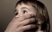 В Киеве педофил полгода насиловал 6-летнего пасынка