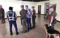 Из Украины в Венгрию экстрадированы преступники, находившиеся в международном розыске