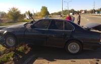 В Днепропетровской области BMW влетел в опору: пострадали дети