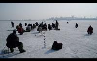 Зимняя рыбалка плачевно закончилась для жителя Черкасской области (видео)