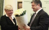 Порошенко решил раскошелиться, чтобы помочь Гонтаревой