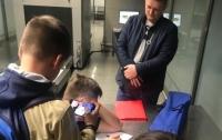 Главе Госрезерва Украины предъявили обвинение прямо в аэропорту