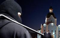 Похитил деревянный крест и заодно мотороллер: под Киевом накажут вора