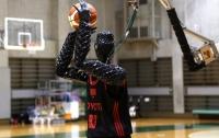 В Японии робота научили играть в баскетбол