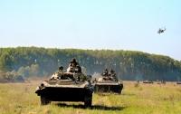 На Закарпатье столкнулись боевые машины, военные в больнице