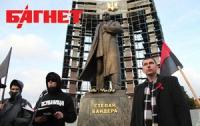 Фарион вознаградит за информацию о надругательстве над памятниками Бандере и Шухевичу