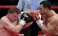 Поветкин требует дисквалифицировать судью, присудившего победу Кличко