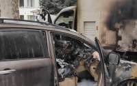 Под Одессой сожгли авто чиновника