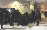 Беспорядки в Киеве: Возле станции метро задержали 27 человек